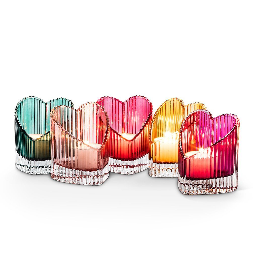 Ribbed heart-shaped tealight holder