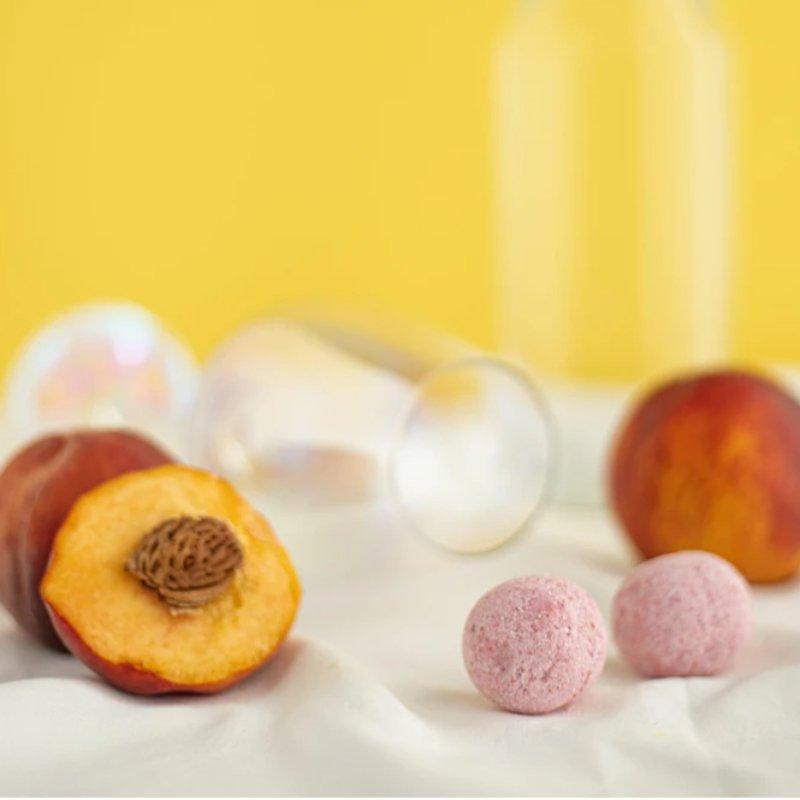 Peach Bellini cocktail bomb